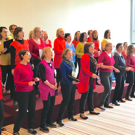 Chorale Survocal  En entreprise Concert day Puteaux ©Fabienne Achard