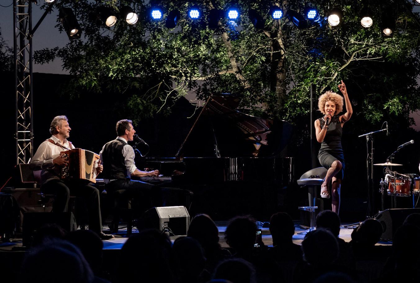 "Jazz festival, Chabournay.  Sophie Thiam, David Henry, Marc Berthoumieux ""guest"". © Jochen Strobel"