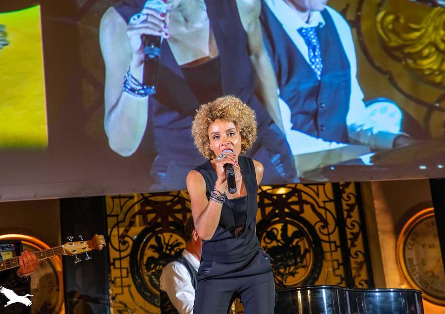So&So Trio private Event (anniversary) Bourse (Bordeaux) Ici la terre Agency