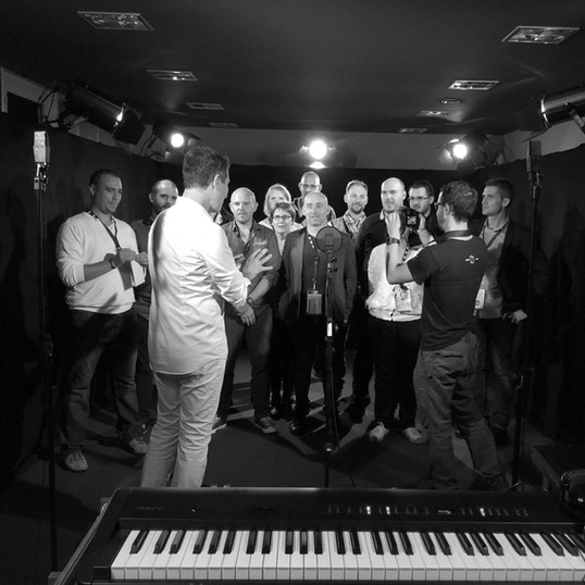 Team Building Recording a song David Henry for Ici la terre Agency