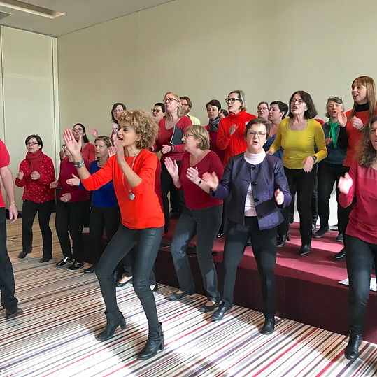 Chorale Survocal  En entreprise Concert day Puteaux © Fabienne Achard