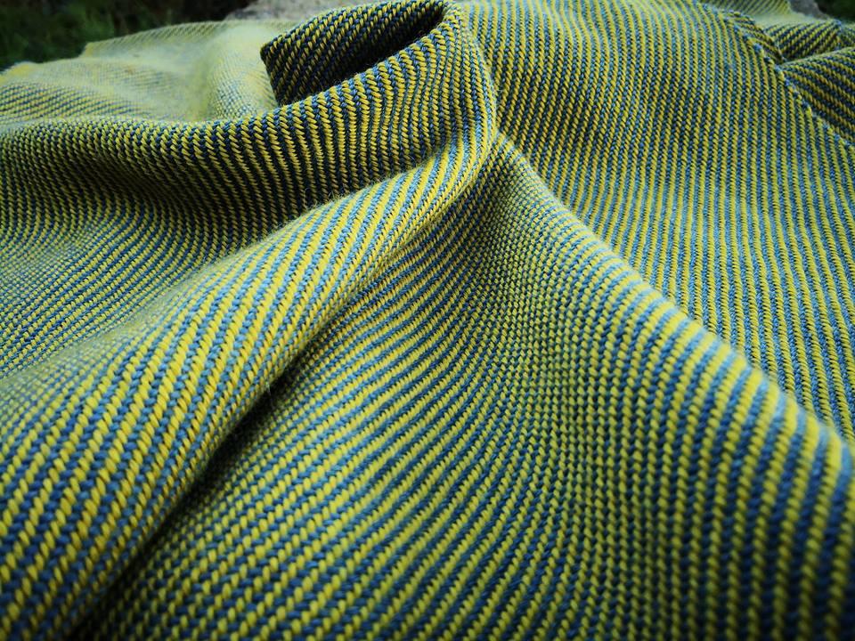 tiassage 7fils au cm en laine teinture végétale bleue et jaune