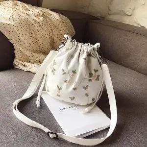 Mini Retro Embroidery Shoulder Bag