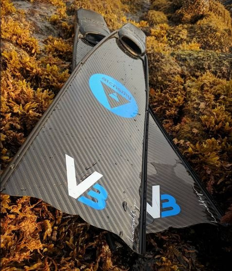 The best carbon fiber freediving blades Alchemy V3