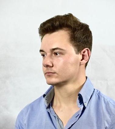 Elliot Francis (Actor: Logan)