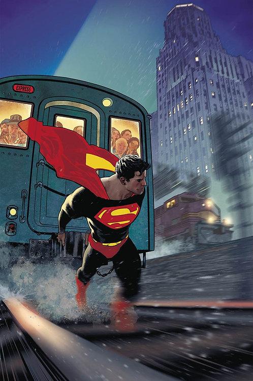 Superman 11- Cover B Hughes