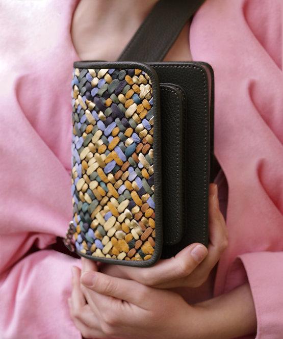 Vaskala Vincent Hand-woven mini bag with strap