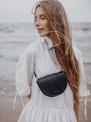 W - The Crescent belt bag black