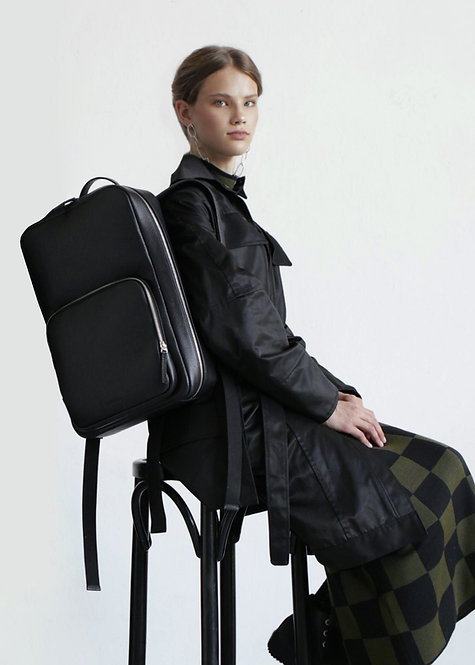 Vaskala Black Backpack