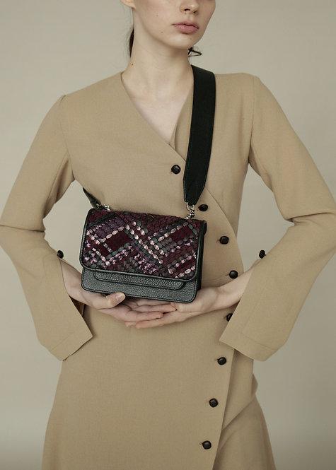 Vaskala Wine Hand-woven mini bag with strap