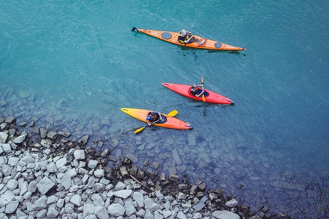 canoeing-2920401_1920.jpg