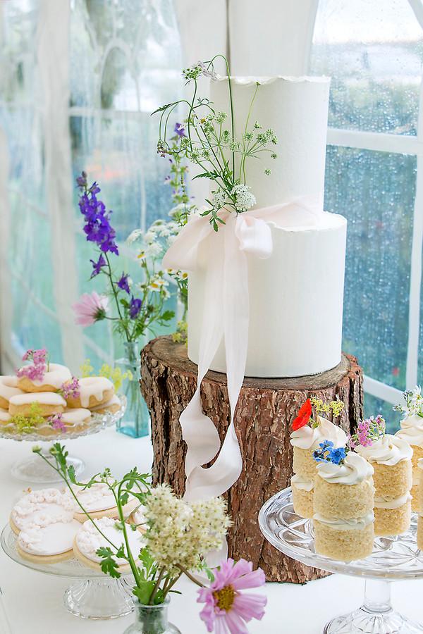 Wild flower boho Wedding cake