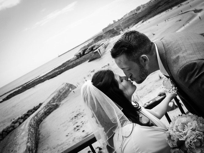Wedding day kisses at Cullercoats