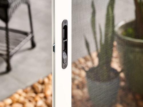 samson_WhiteDoor-Detail-DoorLock.jpg