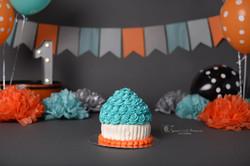 grey orange cake smash