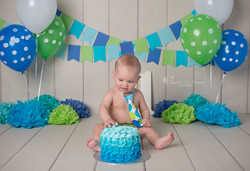 cake smash blue and green