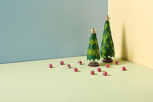Mini Paper Christmas Tree in 3D isometric view
