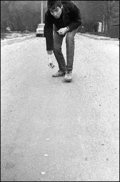 Stimulation on a road, 1980