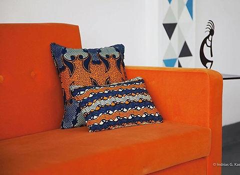 Orange rules! #midcenturymodern #revival #waxprints #africanstyle