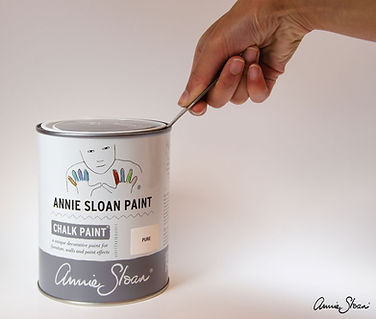 Annie-Sloan-Tin-Opener-used-on-a-tin-of-
