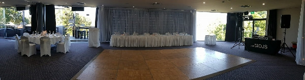 Bridal table, dance floor and dj set up