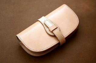 本革サドルレザーのベルトタイプ長財布