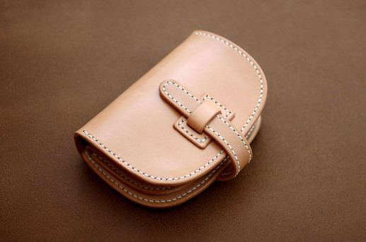 本革サドルレザーのハーフサイズのお財布
