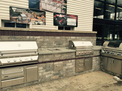 Outdoor Kitchen Design & ConstructionOutdoor Kitchen Design & Construction