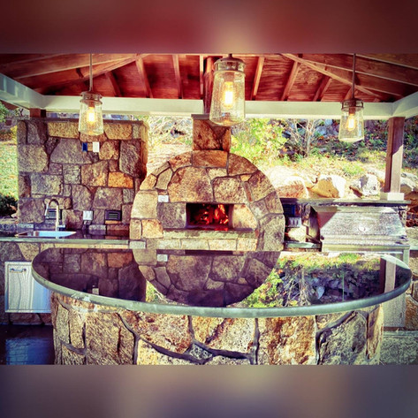 Outdoor Kitchen Design & Construction