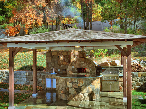 Outdoor Kitchen Design & ConstructionOutdoor Kitchen Design & Construction