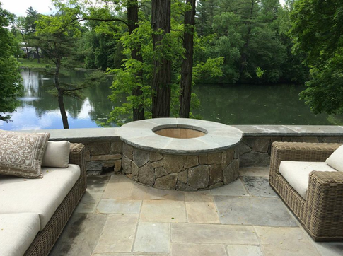 FIRE PITS & FIREPLACES
