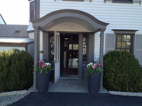 ENTRANCES & COURTYARDSENTRANCES & COURTYARDSENTRANCES & COURTYARDS