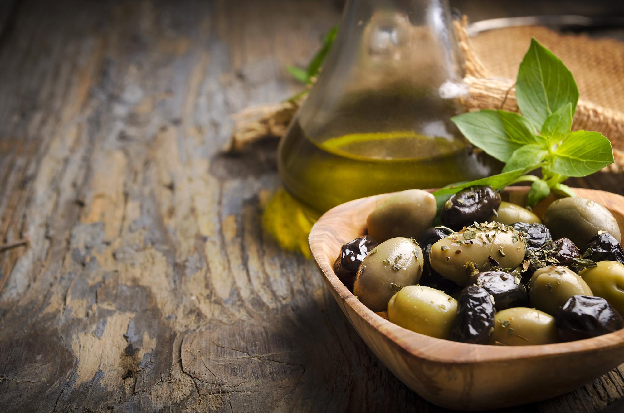 shutterstock_216343060_olive