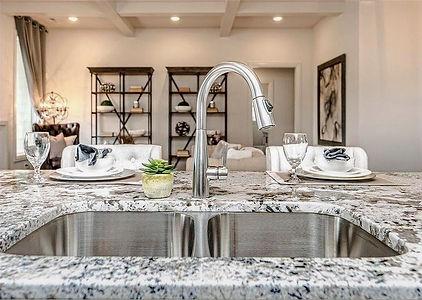 Kitchen%20127_edited.jpg