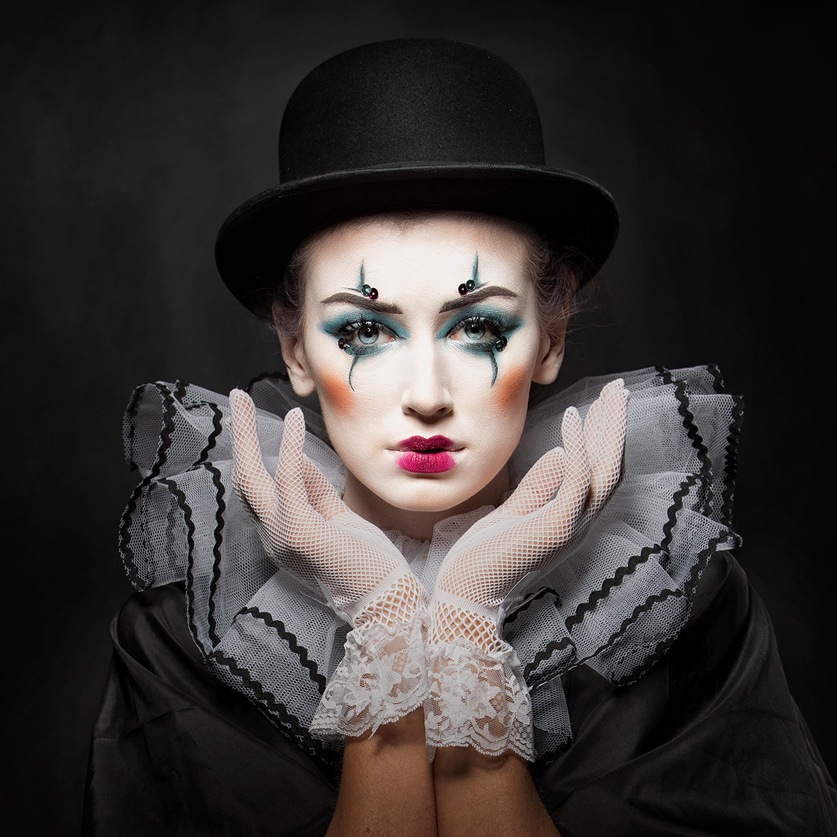 'Mask of the Clown' by Peter Adams (11 marks)  -  Catchlight Camera Club