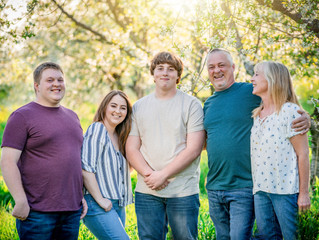 Dressing Your Family For a Photo Session | Cherry Blossoms Northern Michigan
