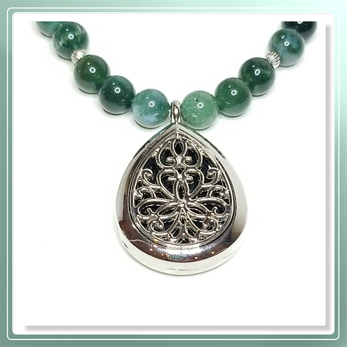 Green Moss Agate bead Necklace with Teardrop Diffuser pendant