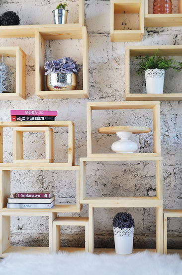 Zestaw sosnowych półek-boxów