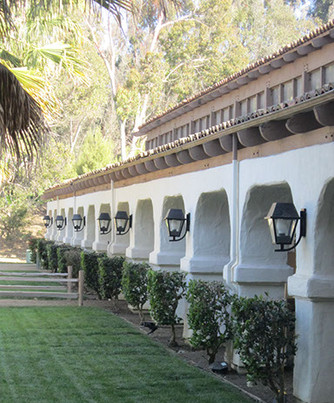 Fairbanks Ranch Equestrian Center, 50 total stalls, covered indoors, outside paddocks, green lawns, grazing, turnouts