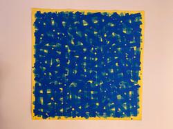 Parcours bleu sur fond jaune