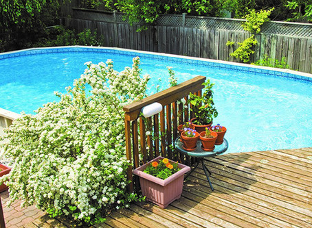 When to replace your swimming pool liner