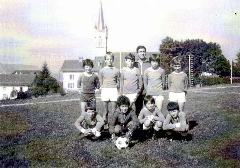 1977(2