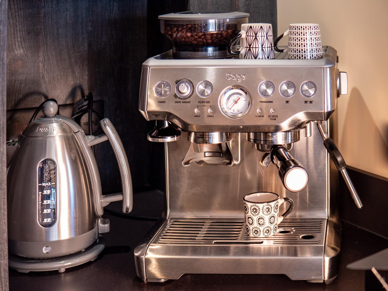 LA1150 RdC Cafe.jpg