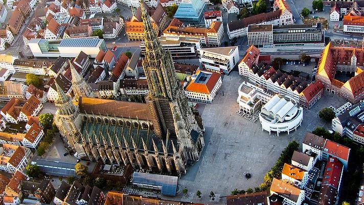 ulm-cathedral-1169940_960_720.jpg