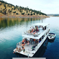 Extravagant Party Boats on the New Melones Reservoir