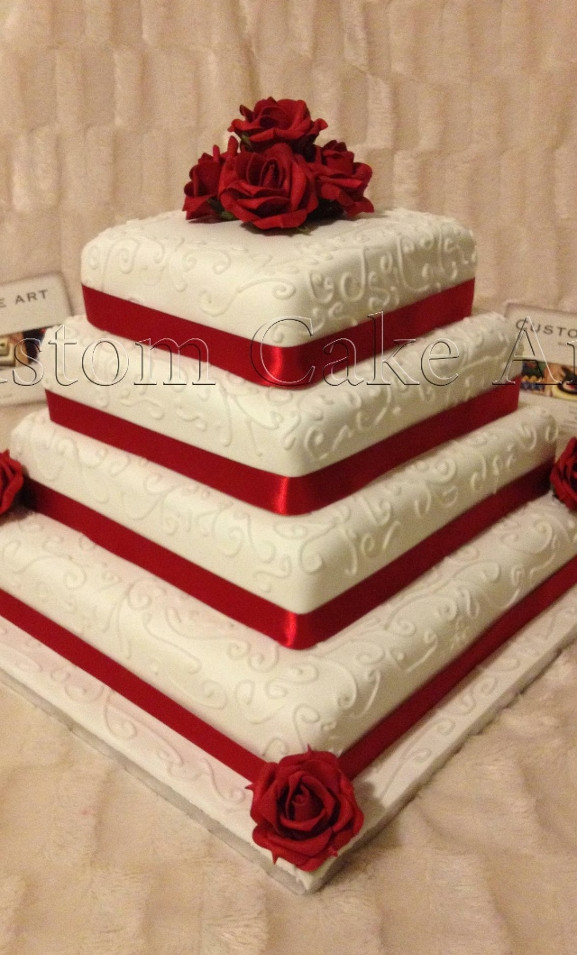 Red rose square wedding cake