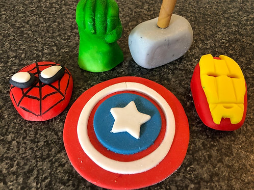 5x Avengers cake & cupcake toppers
