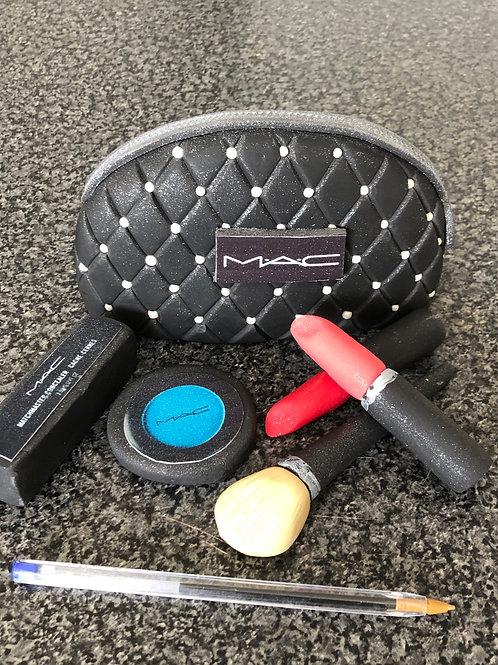 Make up Bag & Makeup Cake topper set