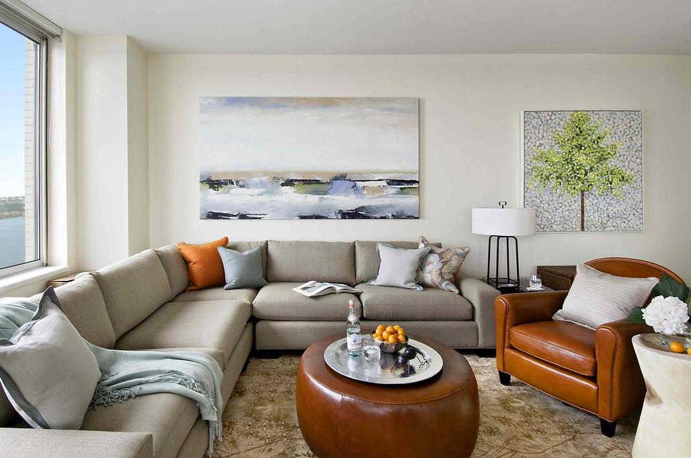 дизайн интерьера светлой гостиной.jpg