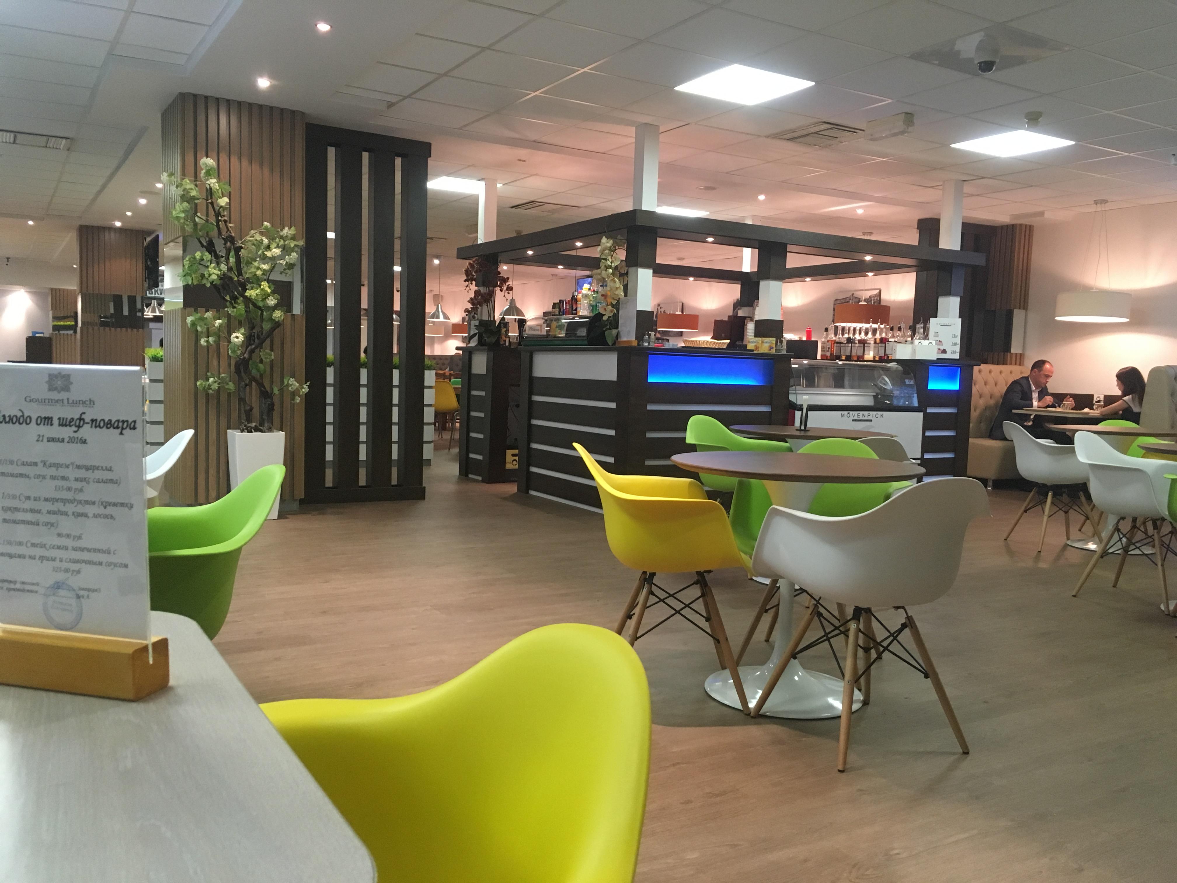 Дизайн столовой в офисном здании